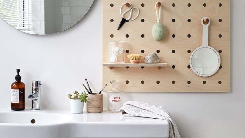 9 Items in Your Bathroom to Throw Away Now