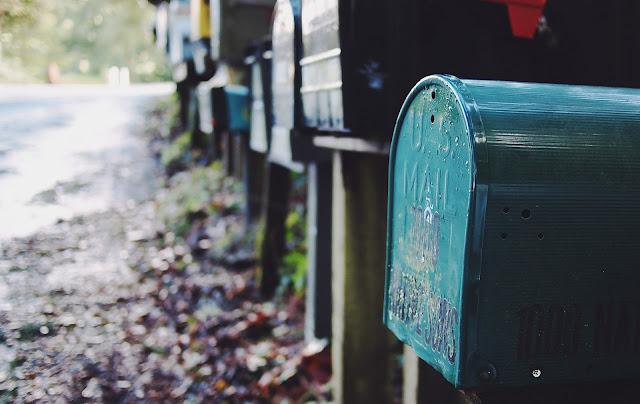 8 Banking tips for digital nomads, mailbox