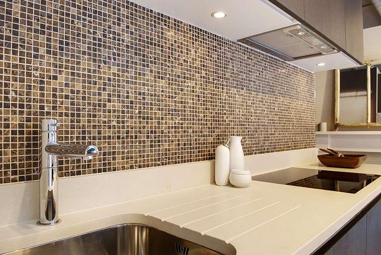 Kemasan Mozek Dalam Kepingan Kecil Gelas Atau Kaca Gl Mosaics Sering Digunakan Untuk Pengubahsuaian Dapur Selalu Bahagian