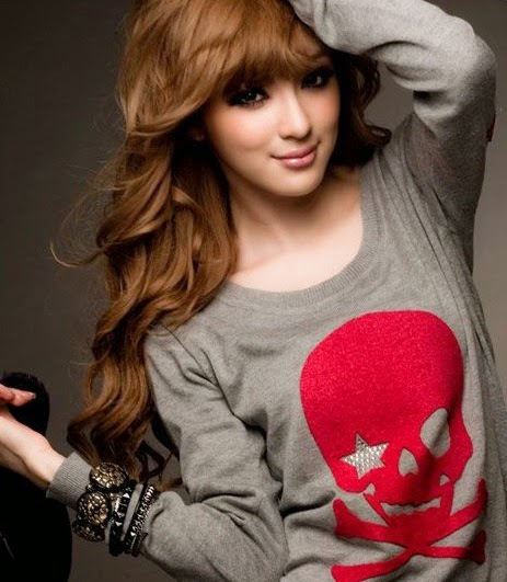 Fashion Beauty Wallpapers: Facebook profile pictures for ...