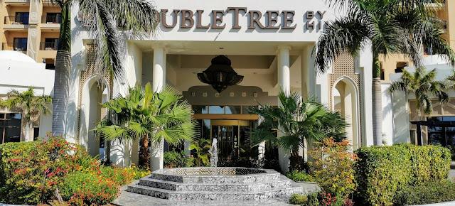 Hotellista on kuljetus DoubleTree Resort&Spa Marjan Island hotelliin