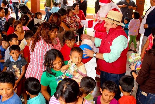 """""""Niños felices permiten la armonía en los hogares"""": Torres Rivas"""