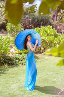 Lý Kim Thảo biến hóa với sắc xanh