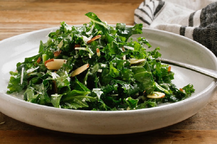 SIMPLE KALE SALAD WITH LEMON DRESSING RECIPE