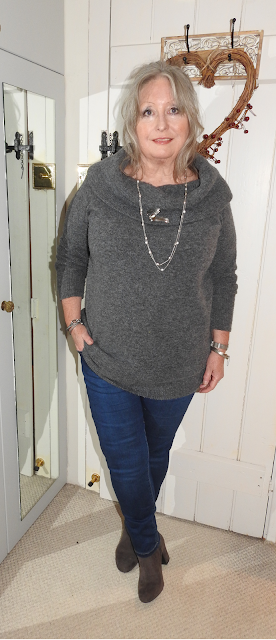 Chunky-great-bardot-jeans-grey-boots-pouting-Pensioner