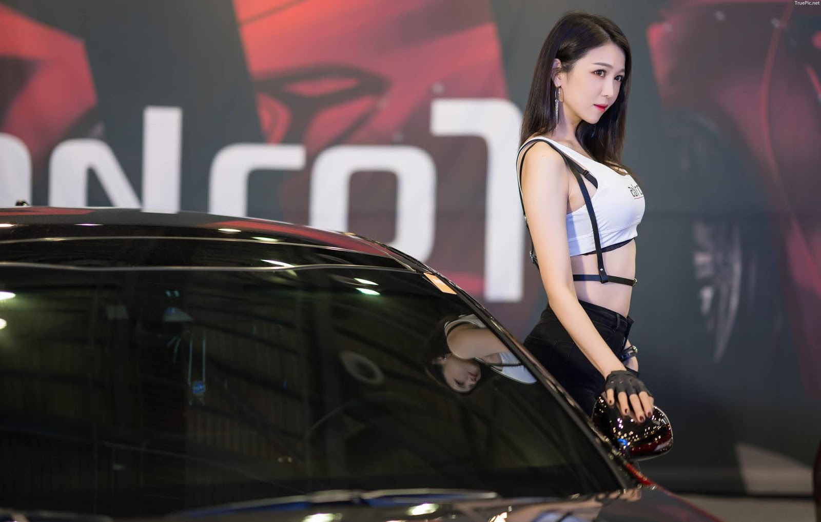 Korean Racing Model - Lee Eunhye - Seoul Auto Salon 2019 - Picture 10