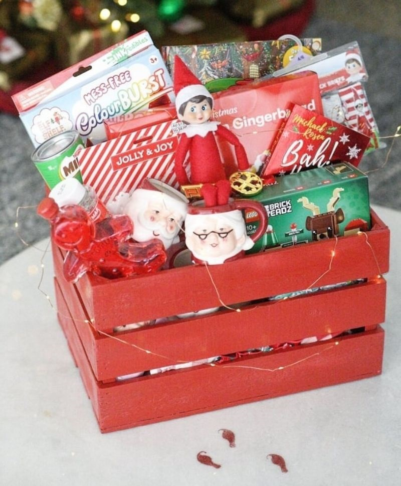 elf arriving with December 1st box