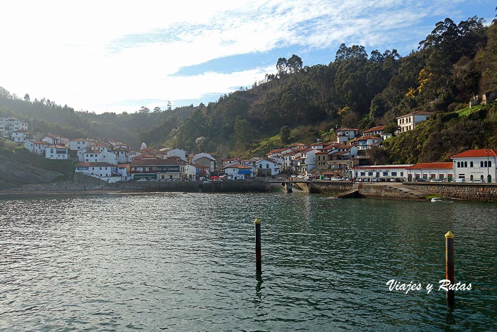 Vista general de Tazones, Asturias