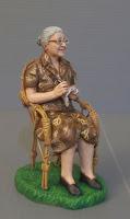 modellini presepe personalizzati nonni vecchietta seduta uncinetto orme magiche