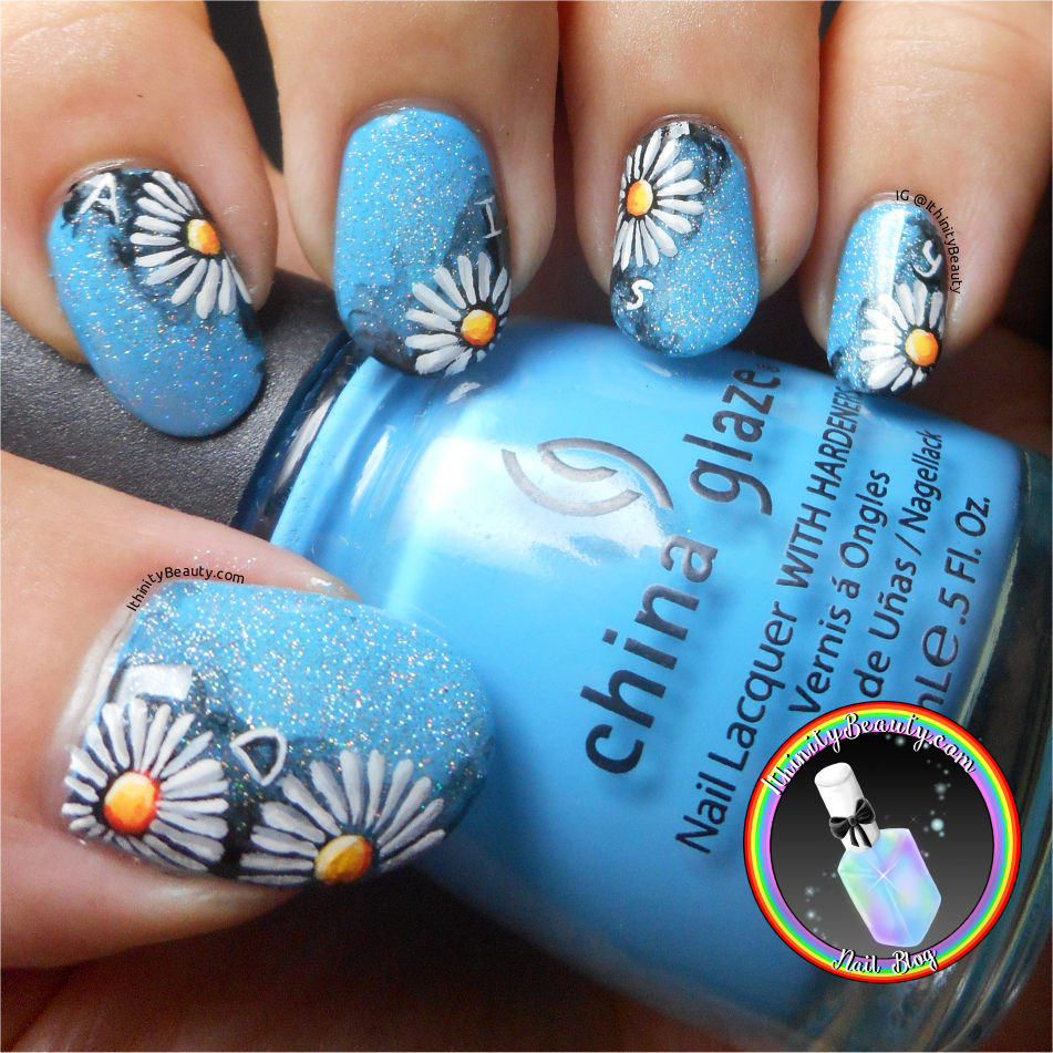 Freehand Daisy Nail Art With Holo | IthinityBeauty.com Nail Art Blog