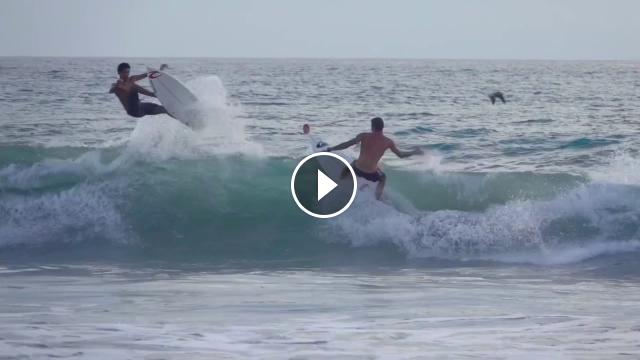 Air collision - Surfer Jousting