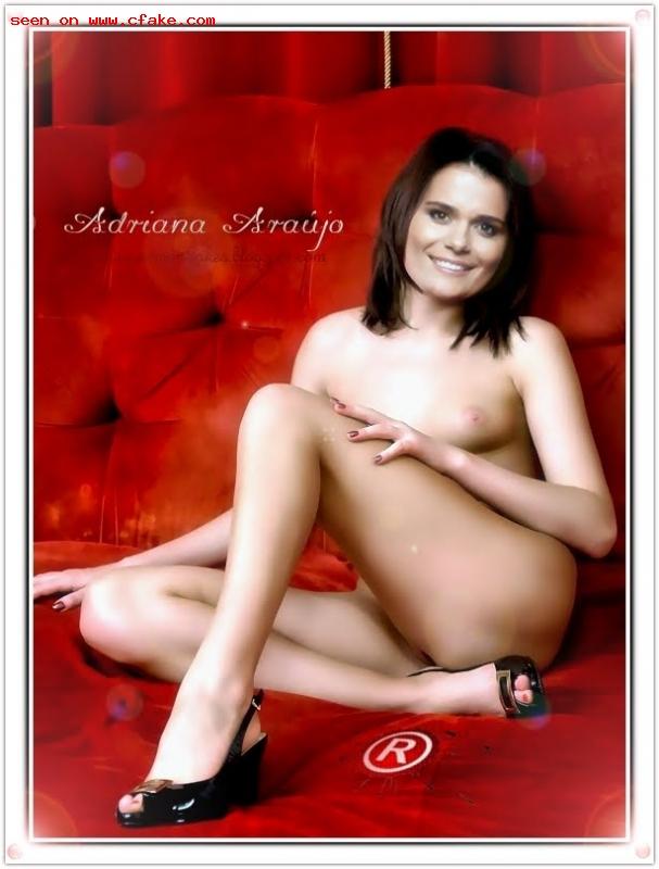 A jornalista Adriana Araújo nua (pelada)