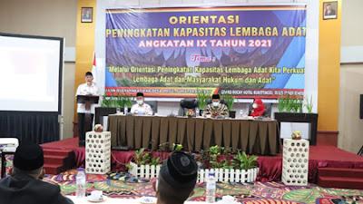 Gubernur: Lembaga Adat Benteng Budaya Globalisasi