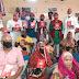 वृद्धाश्रम में वितरित किया कपड़े व फल' सपा युवराज के जन्मदिवस के अवसर पर