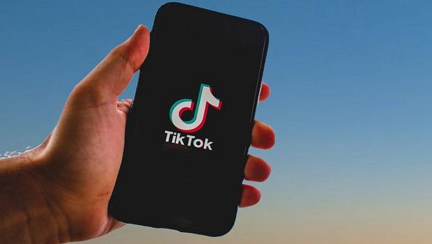TikTokيحتل المرتبة الأولى في التطبيقات الأكثر تنزيلا على مستوى العالم