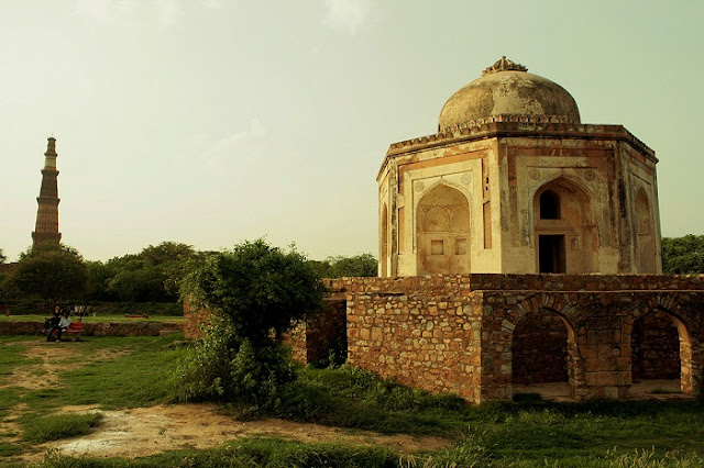 Mehrauli Archaeological Park, Best Places to Visit in Delhi