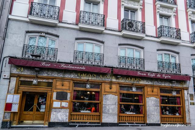 Grand Café Gijón, no Paseo de los Recoletos, Madri