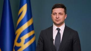 Зеленський повинен розглянути петицію про свою відставку