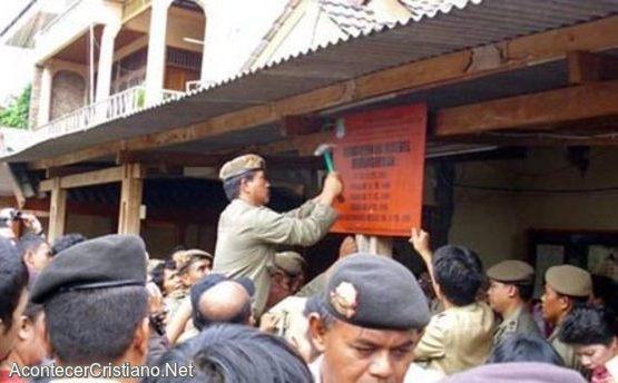 Cierran iglesia en Indonesia