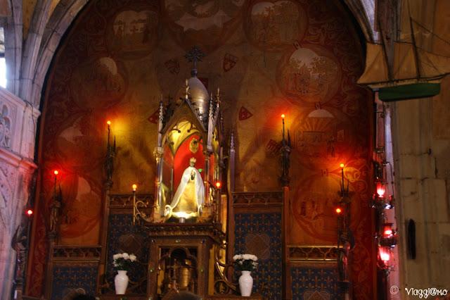 La Vergine Nera in legno nella Cappella di Notre Dame di Rocamadour
