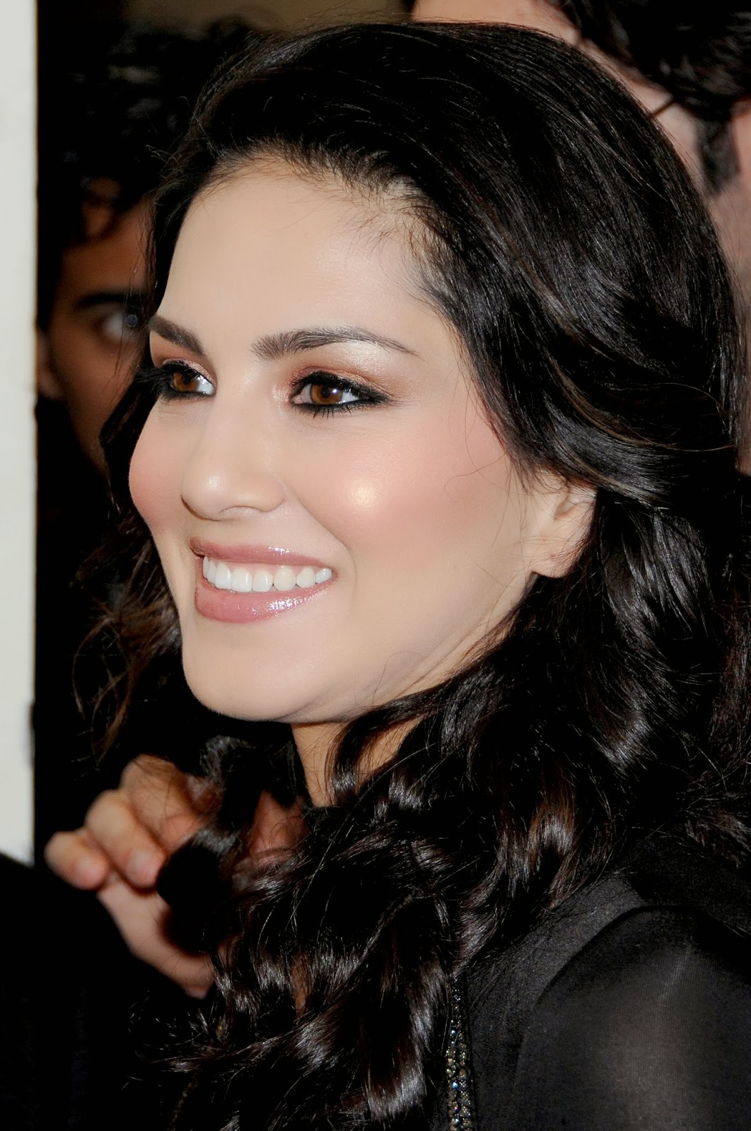 High Quality Bollywood Celebrity Pictures Sunny Leone -1087