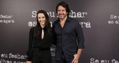 Murilo Benício (Adriano) e Débora Falabella (Isabel) interpretam o prefeito e a primeira-dama na minissérie