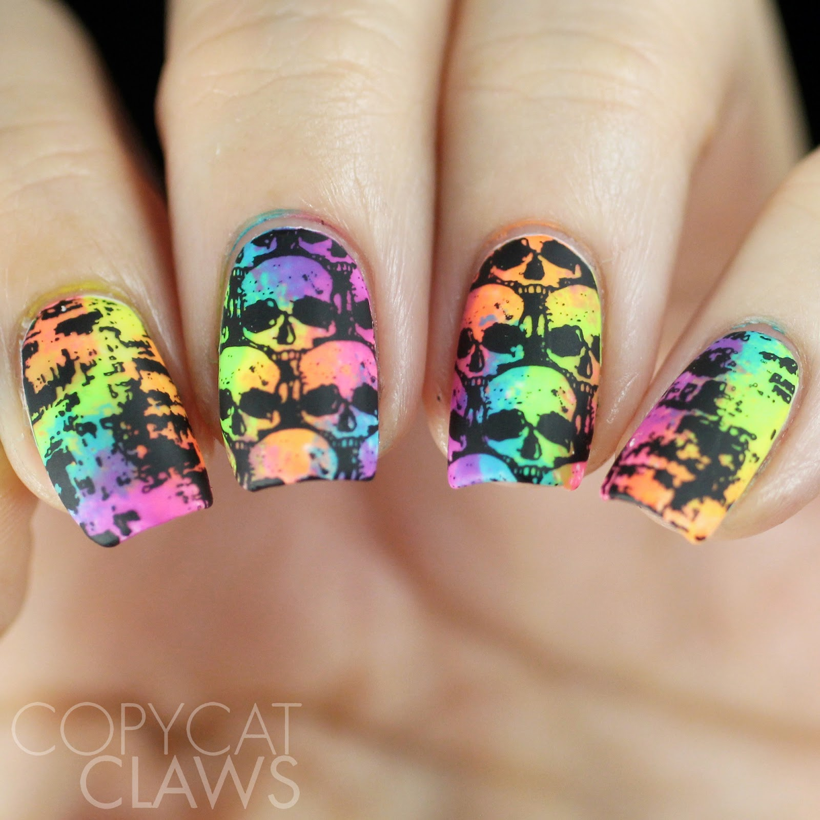 Copycat claws 26 great nail art ideas black and neon is awesome isnt it and for once my camera decided to actually show some of the brightness that this mani had in real life which for my camera is a prinsesfo Gallery