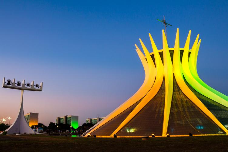 Catedral de Brasília ao pôr do Sol