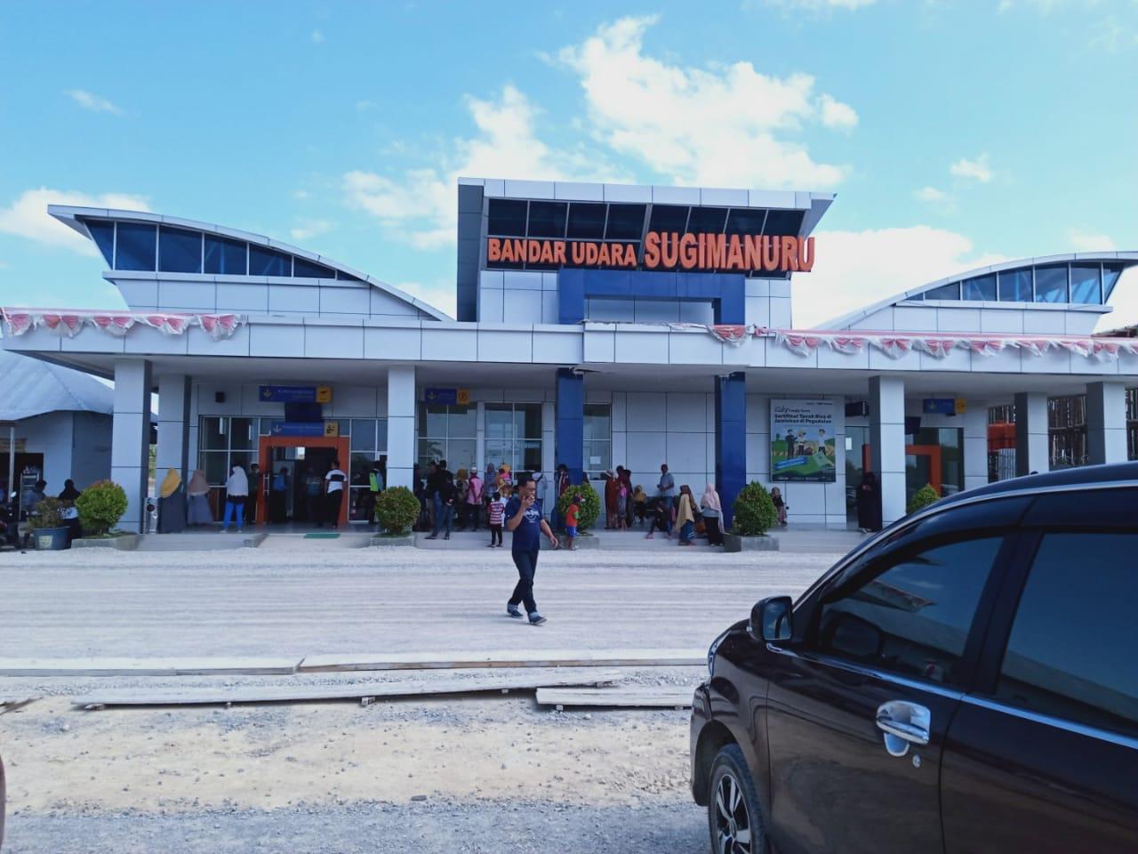 bandar udara sugimanuru