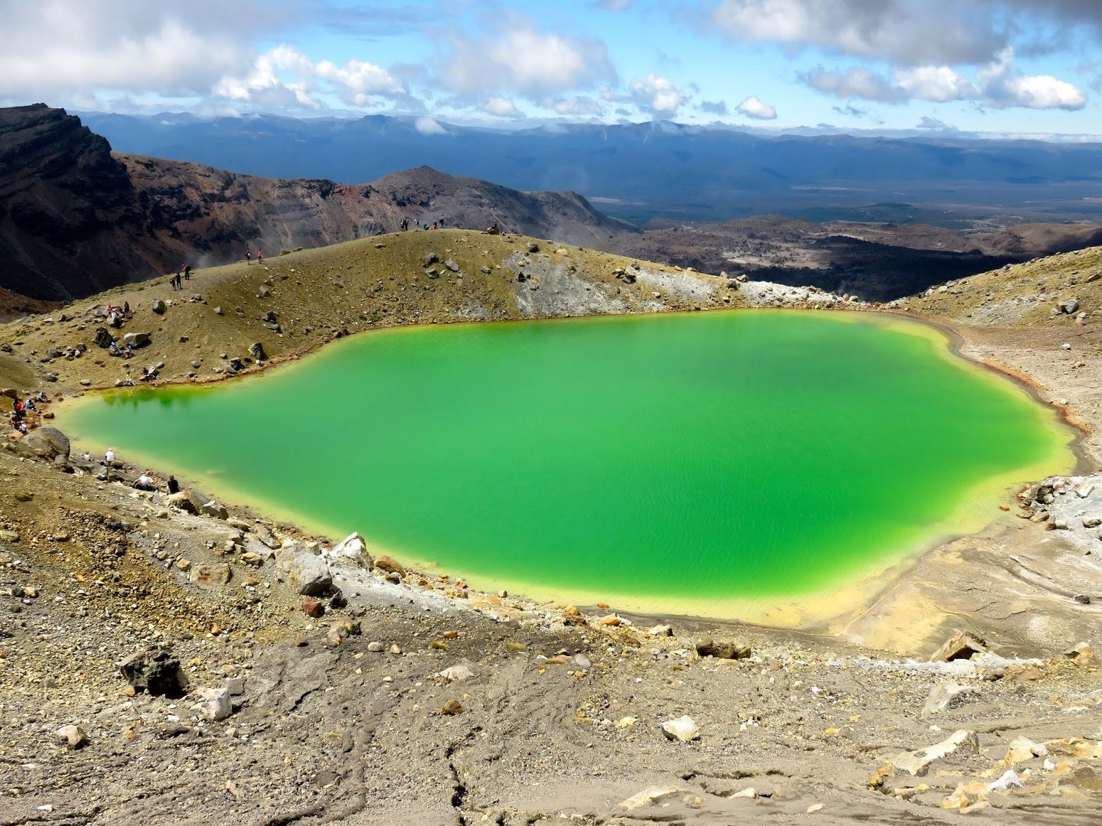 картинки цветных озера