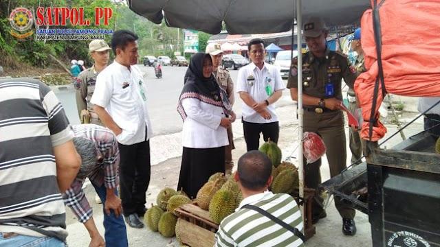 Penertiban serta Penataan Pedagang Kaki Lima (PKL) di Taman Hamtebiu dan Kebun Raya Liwa (KRL)