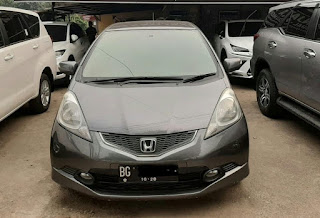 HONDA- JAZZ RS 1.5 AT 2010 (ST18UY)