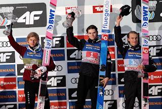 SALTOS DE ESQUÍ - Marius Lindvik repite triunfo en el Cuatro Trampolines de Innsbruck