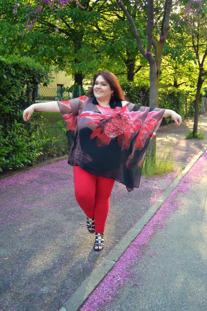 outfit plus size con kaftano Elena Mirò
