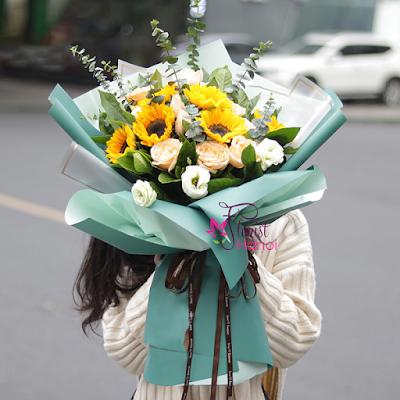 Sunflower bouquet in Hanoi