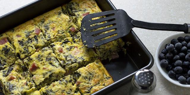 Keto casserole with ham, ricotta and spinach