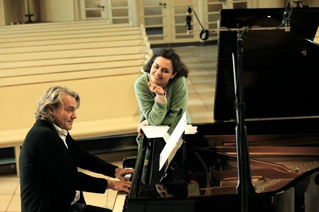 Katharina Konradi recording with Gerold Huber