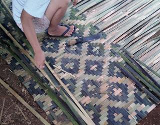 pembuat bilik bambu