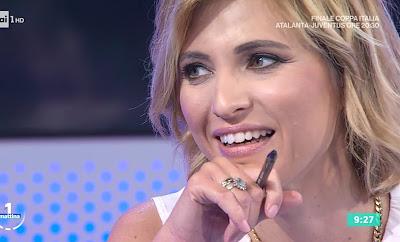 Monica Giandotti primo piano viso labbra denti bianchi unomattina 19 maggio
