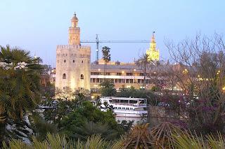 La Torre del Oro y la Giralda.