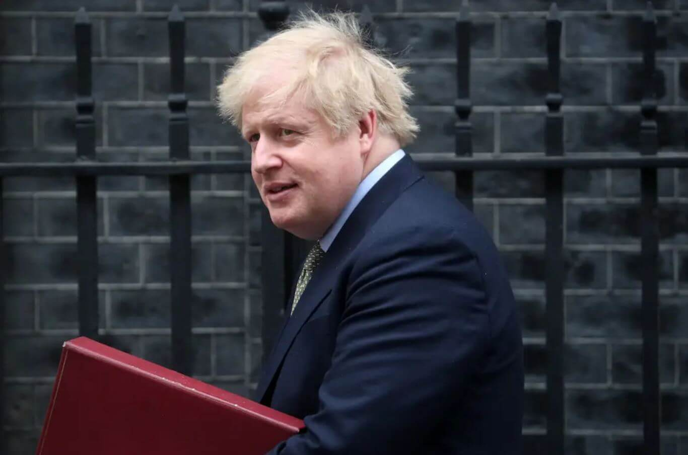 British Prime Minister Boris Johnson, hospitalized for four days with coronavirus, has left the intensive care unit and will begin his recovery in a general service at St Thomas Hospital in London, his government announced Thursday. UK Prime Minister was hospitalized for testing positive for coronavirus.