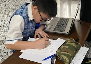 Belajar Di Rumah Tetap Asik Walupun Di Tengah Pandemi Covid-19