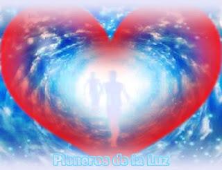 Todos ustedes son los Pioneros de la Luz, la resonancia interna de toda la masa humana ha aumentado de forma considerable por efecto de los Seres Angelicales estacionados en la Tierra, que a través de su Ascensión interior están haciendo posible que la Conciencia personal y planetaria haya llegado justo al umbral del primer plano de la Quinta Dimensión.