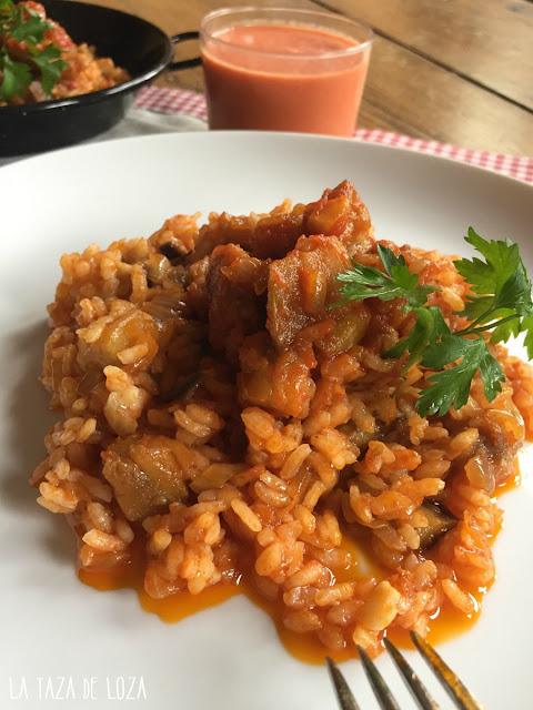 arroz-blanco-con-berenjenas-y-tomate-frito