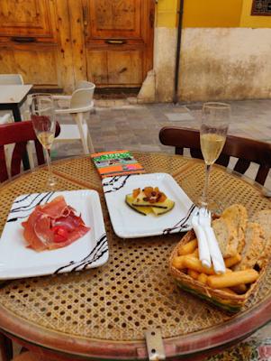 Tapas de Café de las Horas de Valencia