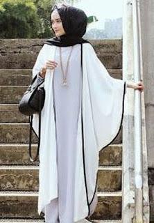 Baju Lebaran Putih Polos Cewek dengan gaya sederhana religius