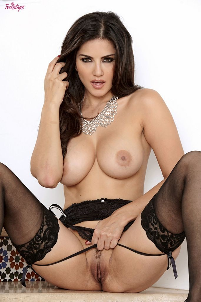 Sunny Leone Nude Video