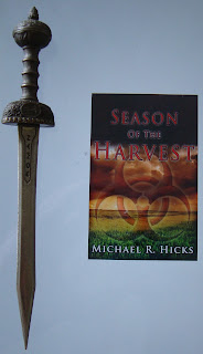 Portada del libro Season of the Harvest, de Michael R. Hicks