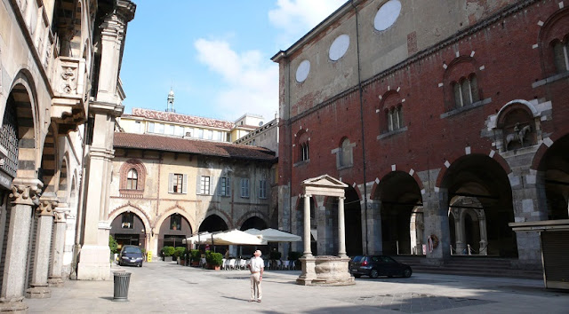 Piazza Mercanti em Milão