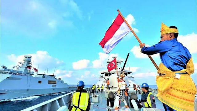 Bendera Merah Putih Berkibar Di Kapal Perang Turki